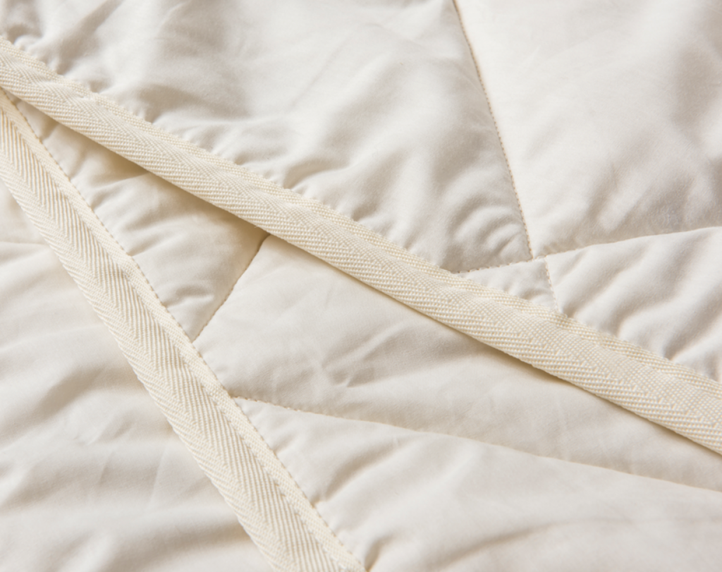 duvet-lambswool-flat-close-2